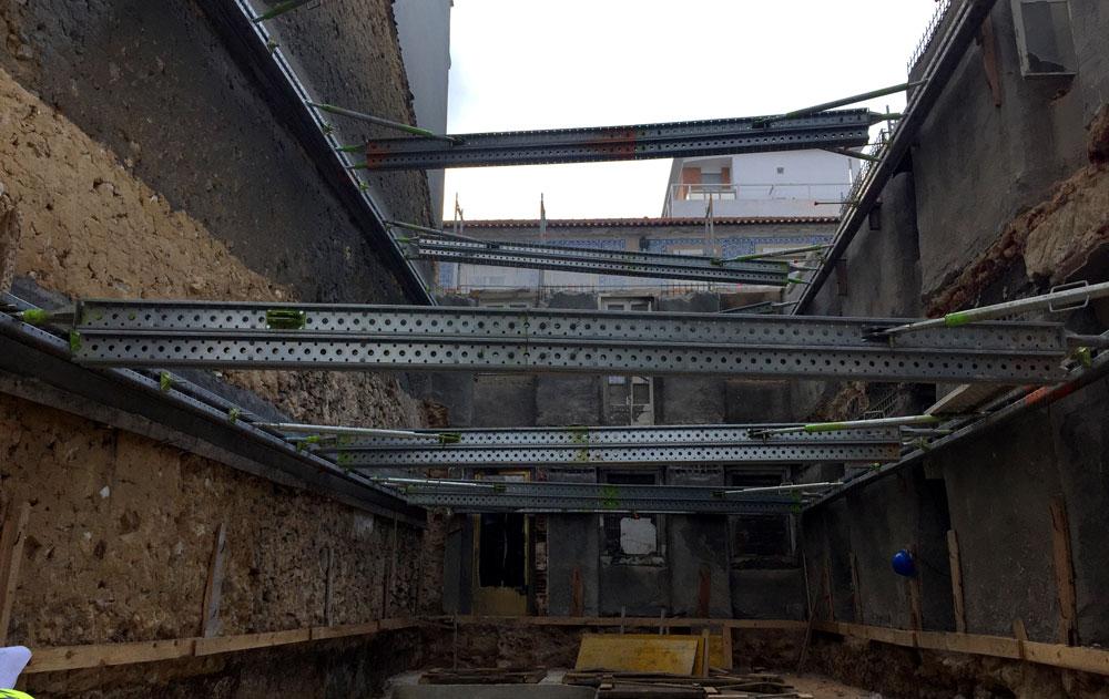 contenção de fachada em obra
